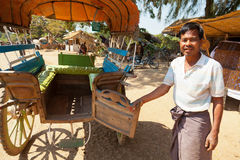 Wołowy fury taxi w Innwa, Myanmar Zdjęcia Stock
