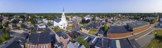 Woburn i stadens centrum flyg- sikt, Massachusetts, USA royaltyfri fotografi
