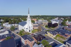 Woburn i stadens centrum flyg- sikt, Massachusetts, USA royaltyfria foton