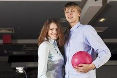 Wochenende am Bowlingspiel Stockbilder