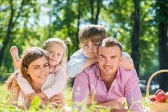 Wochenende mit Familie Stockbilder