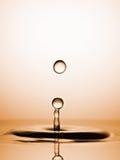 Wod krople Chwytać przed karambolem obraz stock