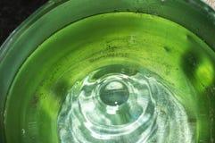 Wod krople w wiadrze Fotografia Stock