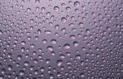Wod krople z odbiciem sercowatym Zdjęcie Royalty Free