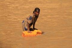 Woda: ciekły złoto ale wodny color-2 Zdjęcia Royalty Free