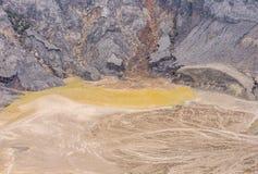 Woda gromadząca inside wulkan kaldera Obraz Stock