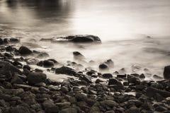 Woda na skałach Fotografia Royalty Free