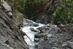 Woda od spadków Zdjęcia Stock