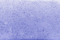 Woda opuszcza błękitnego tło - Akcyjne fotografie Zdjęcia Stock