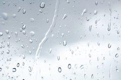 Woda opuszcza w deszczu na okno Fotografia Royalty Free