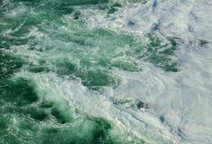 Woda Rhine rzeczny pod Rhine właśnie Spada w Switzerla Fotografia Royalty Free