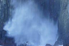 Woda Tryska od Dennej jamy obrazy royalty free