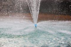 Woda up i opadowa na basenie Zdjęcie Royalty Free