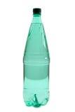 Woda w zielonej butelce fotografia royalty free