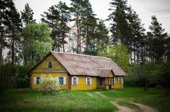 Wodden gammalt hus royaltyfri fotografi