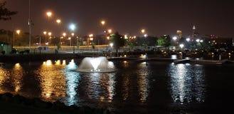 Wodna fontanna przy wschodu 55th molem w Cleveland, Ohio zdjęcia royalty free