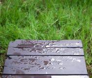 wodna kropla na ławce Obrazy Stock