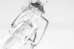 Wodna pluśnięcie butelka obraz royalty free