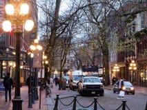 Wodna ulica w historycznym Gastown w Vancouver przy półmrokiem Obrazy Stock