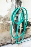 Wodna węża elastycznego nawijacza ściana zdjęcia royalty free