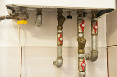 Wodne drymby i klapy łączyli ogrzewać benzynowego pa Obraz Royalty Free