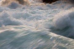 Wodne przepływ fala Obrazy Stock