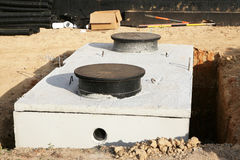 Wodnego lub septycznego zbiornika instalacja Zdjęcie Stock