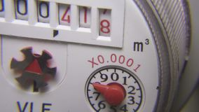 Wodnego spożycia metering przyrząd, zbliżenie odpierający wodny spożycie zdjęcie wideo