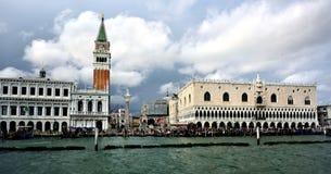 Wodni taxi stać w kolejce przy San Marco, Wenecja Zdjęcie Royalty Free