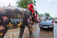 Wodny chełbotanie lub Songkran festiwal w Tajlandia Zdjęcia Stock