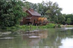 Wodny młyn w Jelka, na Małej Danube rzece Fotografia Stock