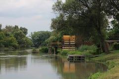 Wodny młyn w Jelka, na Małej Danube rzece Zdjęcia Stock