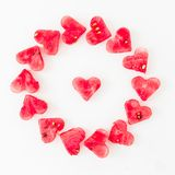 Wodny melonu cięcie w kierowego kształt na białym tle pocałunek miłości człowieka koncepcja kobieta Walentynki ` s dnia pojęcie M Zdjęcie Stock