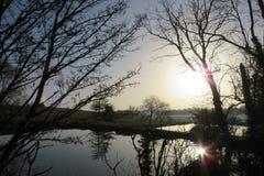 Wodny odbić królewiątek newnham rugby Warwickshire fotografia royalty free