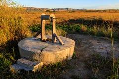 Wodny well i warzywa w afrykanina krajobrazie Obrazy Royalty Free
