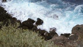 Wody morskiej bicie na brzeg zdjęcie wideo