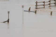 Wody Powodziowej otaczania znak Fotografia Royalty Free