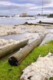 Wody powodziowej piana i gruzy, Launceston, Tasmania Zdjęcia Royalty Free