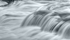 Woedend water Stock Afbeelding