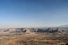 Woestijn en bergen dichtbij sanaa Yemen stock afbeeldingen