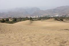 Woestijn en vulkanische bergen op Gran Canaria, Canarische Eilanden, Spanje Stock Foto's