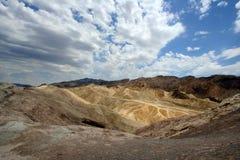 Woestijnheuvels die als maanland kijken Stock Afbeelding