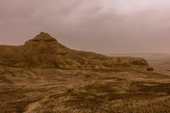 Woestijnlandschap met onweerswolken en zandstorm in Lagere Najd, Saudi-Arabië royalty-vrije stock fotografie
