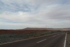 Woestijnweg in de Sinai woestijn in Egypte Royalty-vrije Stock Fotografie