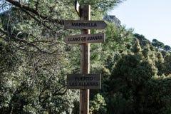 Wohin man in den Berg geht stockfoto