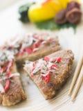 Wohlschmeckender Pfannkuchen mit rotem in Essig eingelegtem Ingwer und Blaufisch Stockfoto
