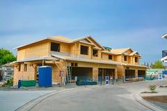 Wohn-fourplex Haus im Bau Familienstadtwohnung f?r Verkauf lizenzfreies stockbild