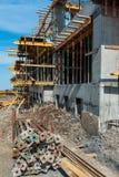 Wohnblock auf Baustelle Lizenzfreie Stockbilder