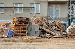 Wohnblock im Bau Stockbilder