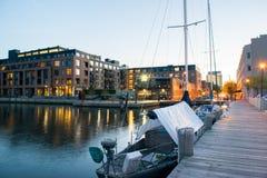 Wohngebäude im inneren Hafen-Bereich in Baltimore, Maryl stockfoto